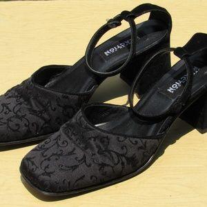 Vtg Kenneth Cole Black Leather Velvet Holiday Shoe